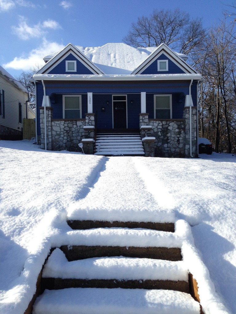 Blue House snow
